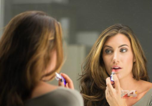 Makeup-Feminine-God-Honoring-Way-GirlDefined1