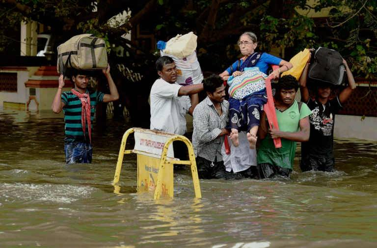 Chennai-Rains-Photos-2015-Tamilnadu-Heavy-Rains-Latest-Live-News-15