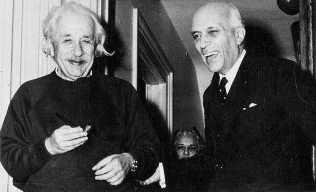Jawaharlal-Nehru-Einstien