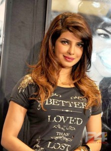 Priyanka_Chopra_at_Guess_store