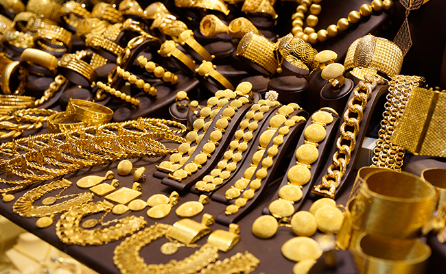 jwellery traders to go on indefinite strike gold price drop
