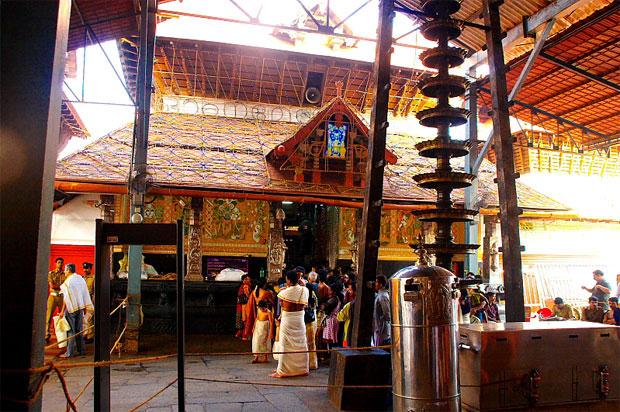 b-guruvayoor-temple cctv guruvayur temple bomb threat guruvayur temple