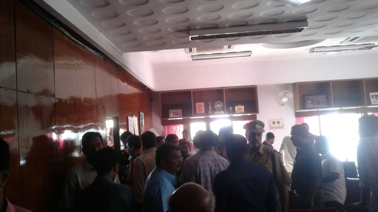 fire-in-k-k-shailaja-office-2