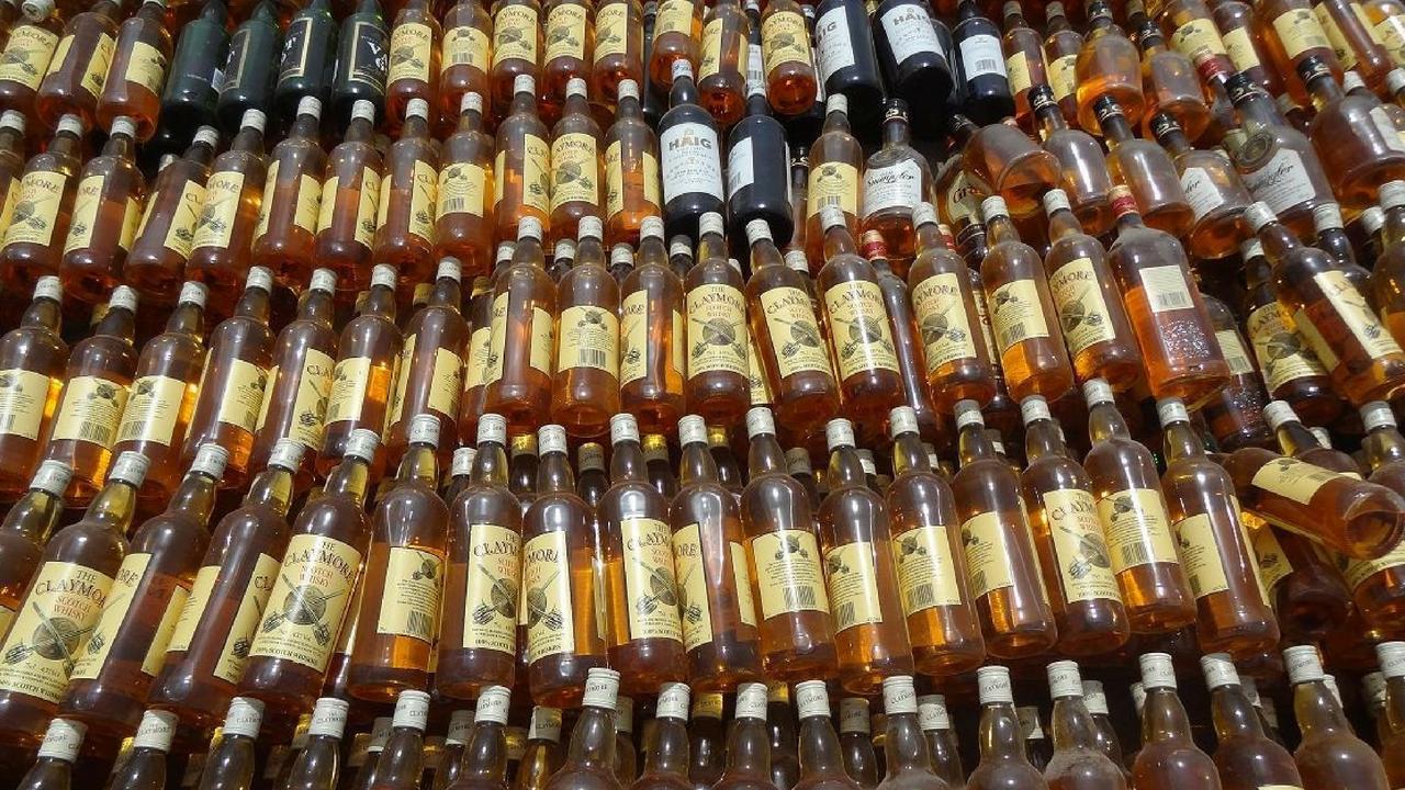 twentyfournews-liquor-seized liquor worth 30 lakhs spoiled
