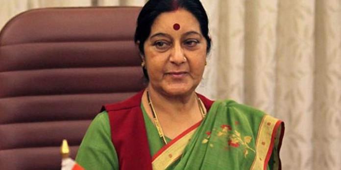 sushma-swaraj-at-aiims-due-to-the-kidney-failure