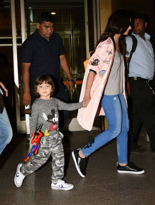 abram spotted with aliya holding hands