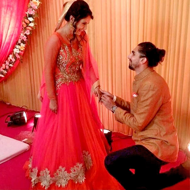ishant-sharma-on-his-knees-for-his-wife-pratima-singh-201606-1466574836