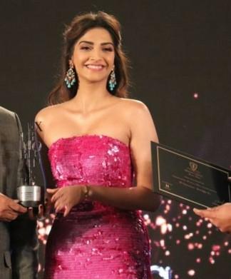 sonam bags global style icon award