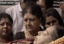 sasikala with jayalalitha dead body