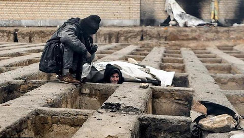 people who live in cemetery Iran