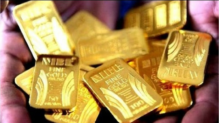 passenger with gold arrested from nedumbassery airport major gold hunt at karipur