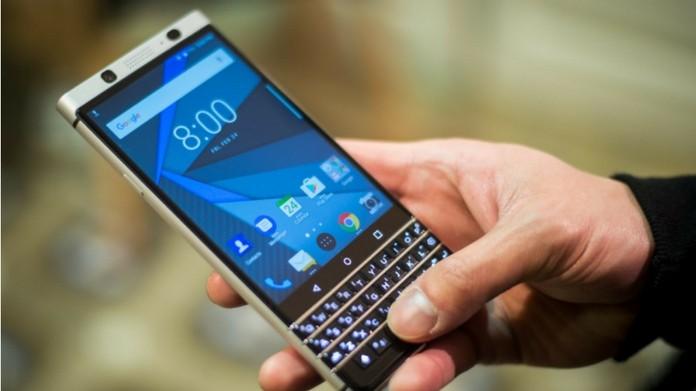 blackberry makes a comeback