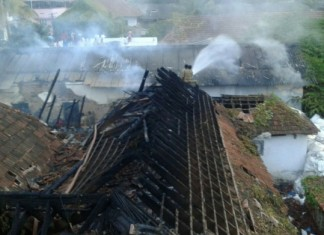 fire at padmanabhaswamy temple