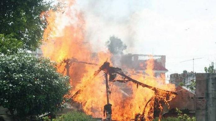 kalamassery strike pandal burnt