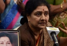 sc directs sasikala to surrender soon