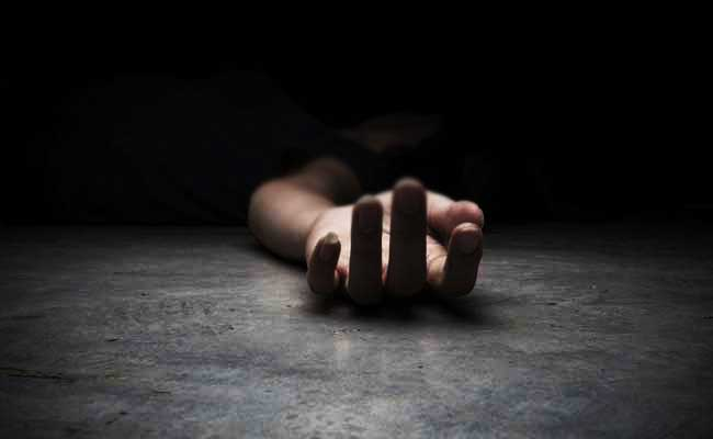 students suicide thrissue native suicide police station husband commits suicide saddened by wife demise