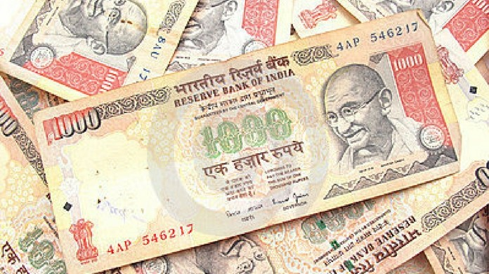 thousand rupee note aluva 2 crore banned notes seized