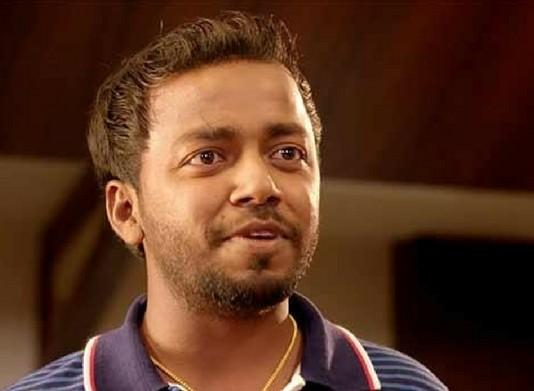 vishnu unnikrishnan meets hrithik roshan finally at lulu
