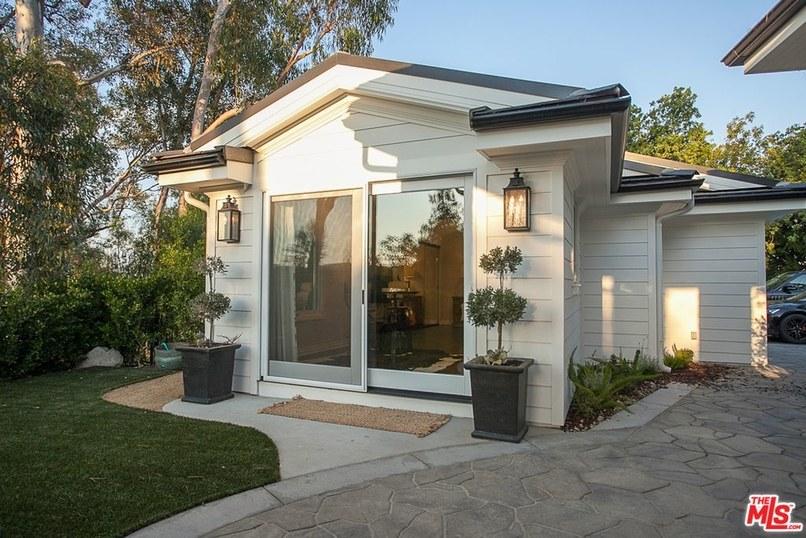 Nick Carter sells remodeled Hidden Hills home for $4.075M