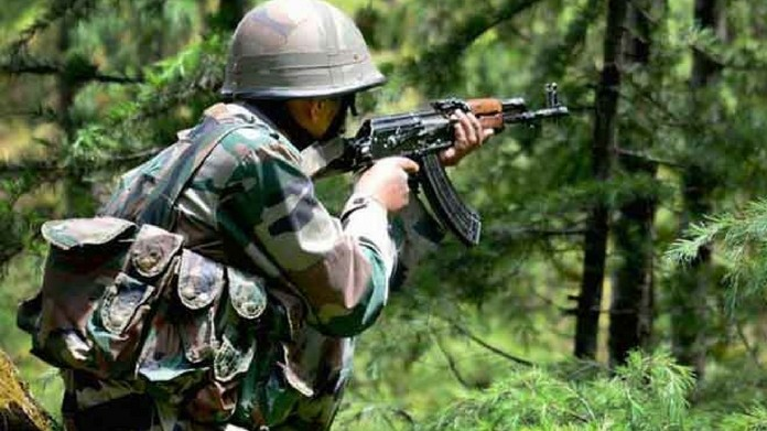 Kashmir Shopian encounter 3 soldiers killed terrorists , soldiers