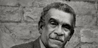 derek walcott passes away