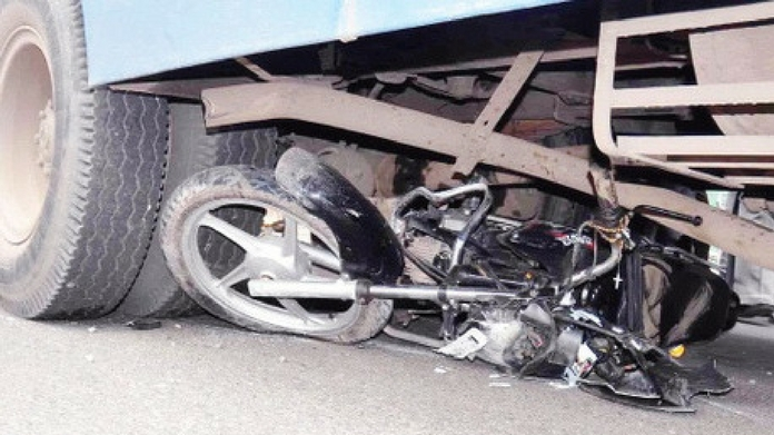one died in a bike accident at kayamkulam