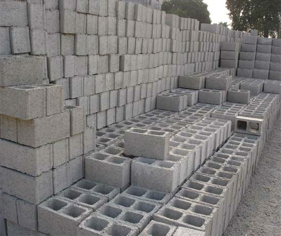 protest against hollow bricks company