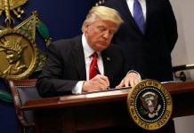 trump signs the order for imposing limitations on H1B visa