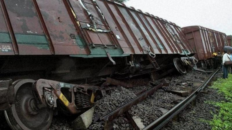 goods train derailed at kozhikode