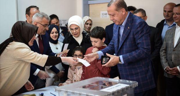 Turkey votes on referendum