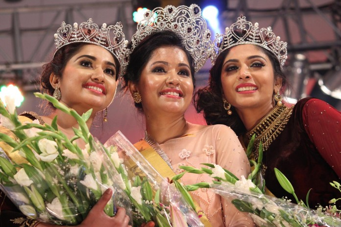 mrs global gods own country beauty peagant winner