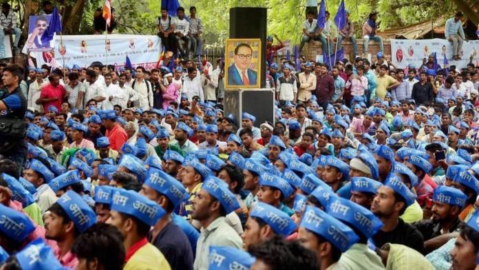 150 dalits convert to budhism