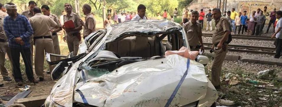 Car, flyover, accident bus car accident at kottayam 20 injured