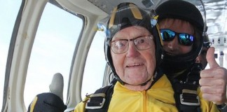 Worlds oldest sky diver