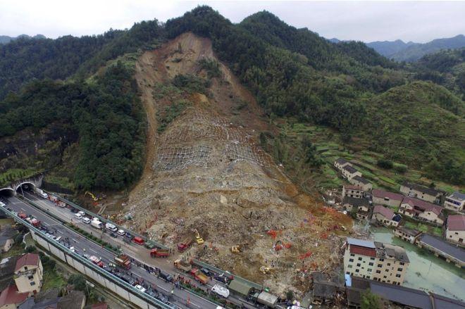 china landslide 100 persons missing