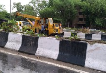 Fuel tanker overturns in Delhi
