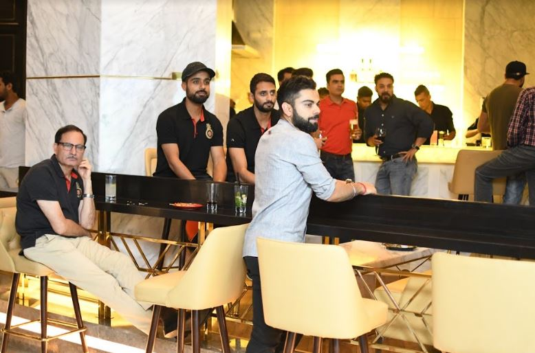 Virat Kohli restaurant Nueva