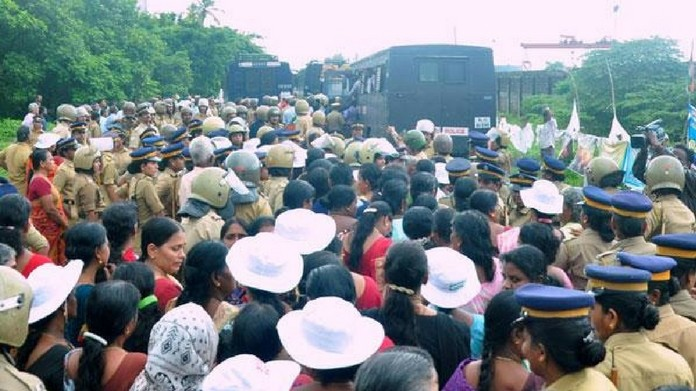 puthuvype protest against LPG terminal puthuvype plant construction temporrarily stopped