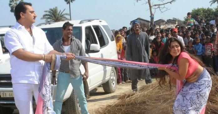 bhojpuri-movie-called-aurat-khilona-nahi
