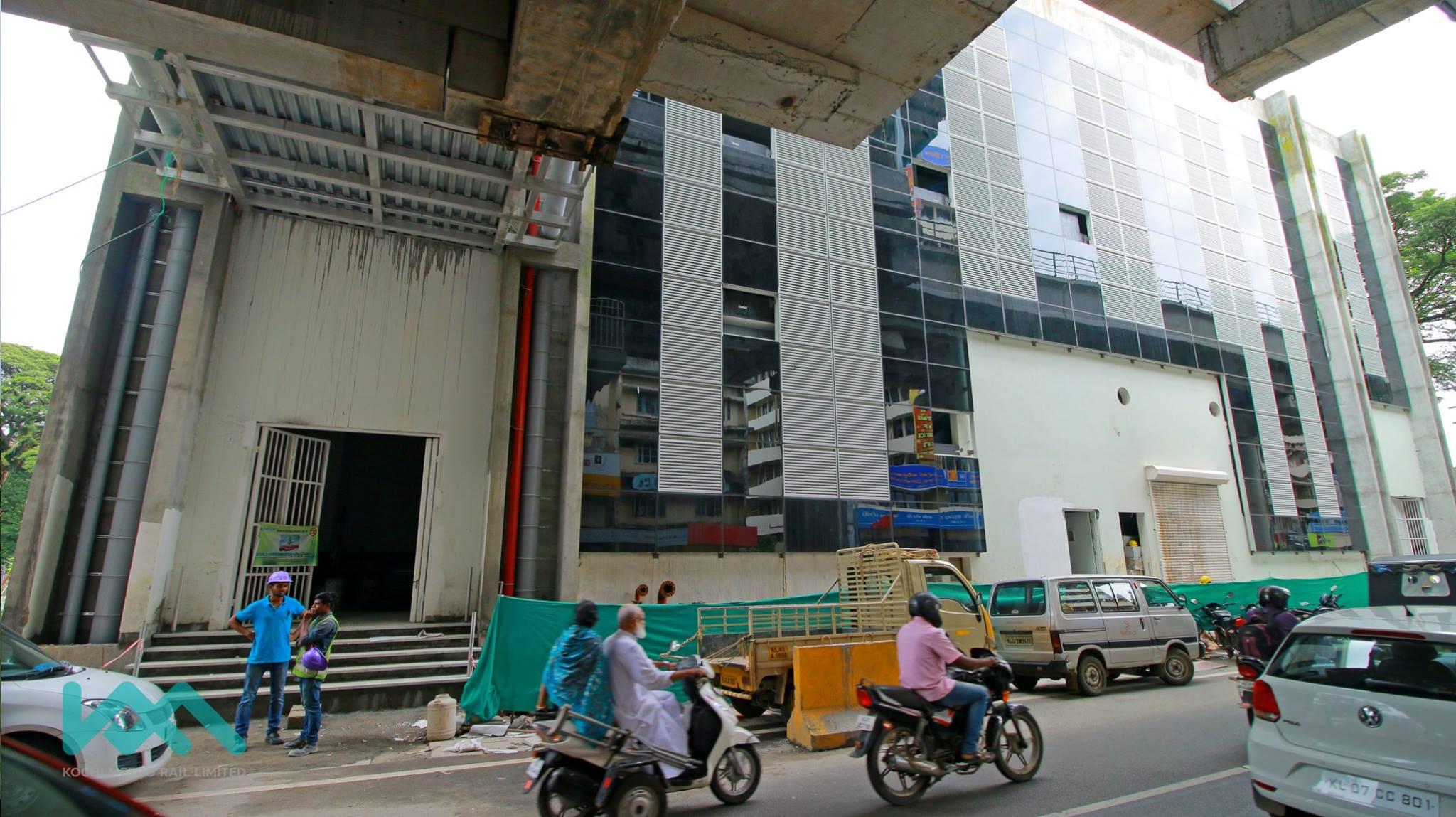 kochi metro palarivattom maharajas first trial run tomorrow