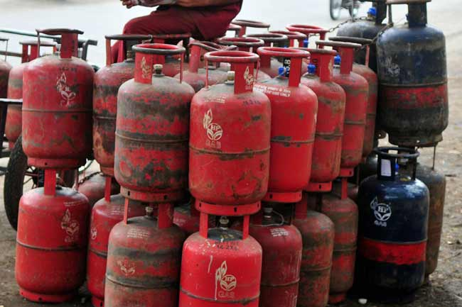 cooking gas cylinder subsidy stops govt may withdraw monthly hike on LPG cylinders