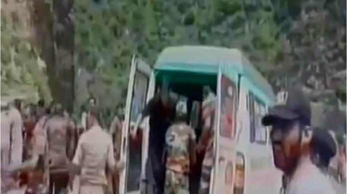amarnath pilgrim bus accident 11 killed