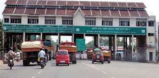 paliyekkara toll plaza 454 crore gained in 5 years should pay toll in toll plaza if its buzy too says national highway authority