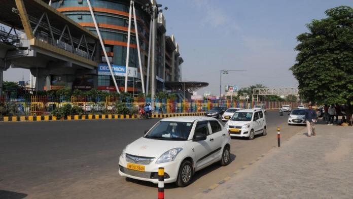 delhi govt bans share taxi