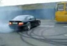 CAR STUNT (1)