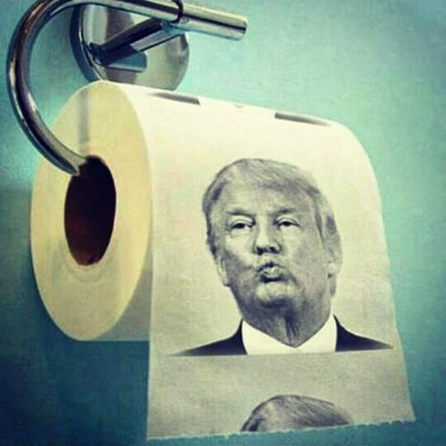 Trump papel del culo