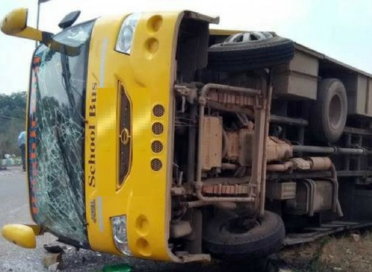 angamaly school bus accident 30 students injured
