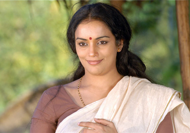 don't need women collective to be in film industry says Shweta Menon