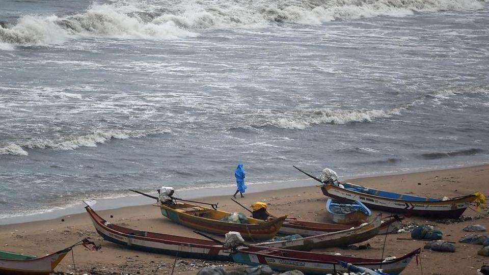 indian fishermen attacked by srilankan navy