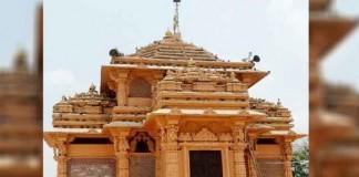 muslim woman as deity in hindu temple